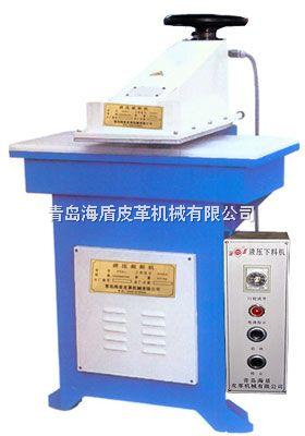 液压裁断机